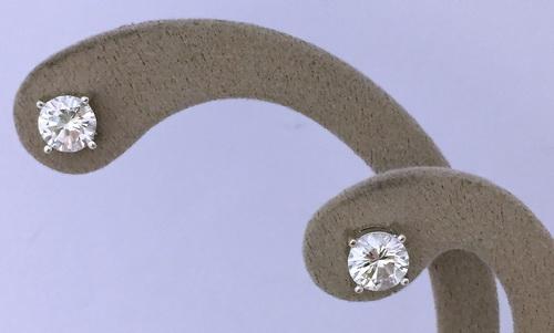 鑽石耳飾 白金18K 四爪造型 女用