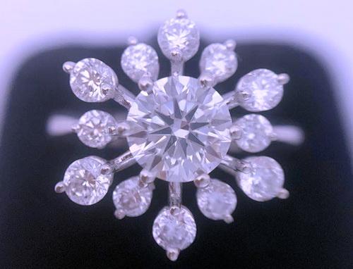白金18K 圓形主鑽1.008 CTS 豪華造型鑽戒 女用