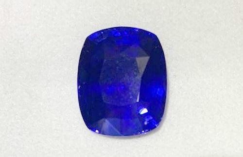 錫蘭藍寶裸石 墊型切工 重量20.33 CTS 附證書
