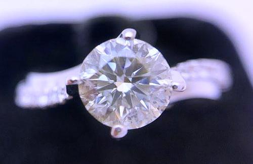 白金18K 圓型 主鑽/ 1.01 CTS 成色 H / 淨度VS1 /八心八箭 女用鑽戒