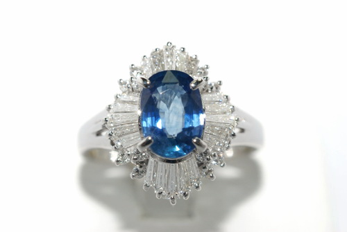 P.T900白金 主石1.39CTS藍寶造型鑽戒  女用